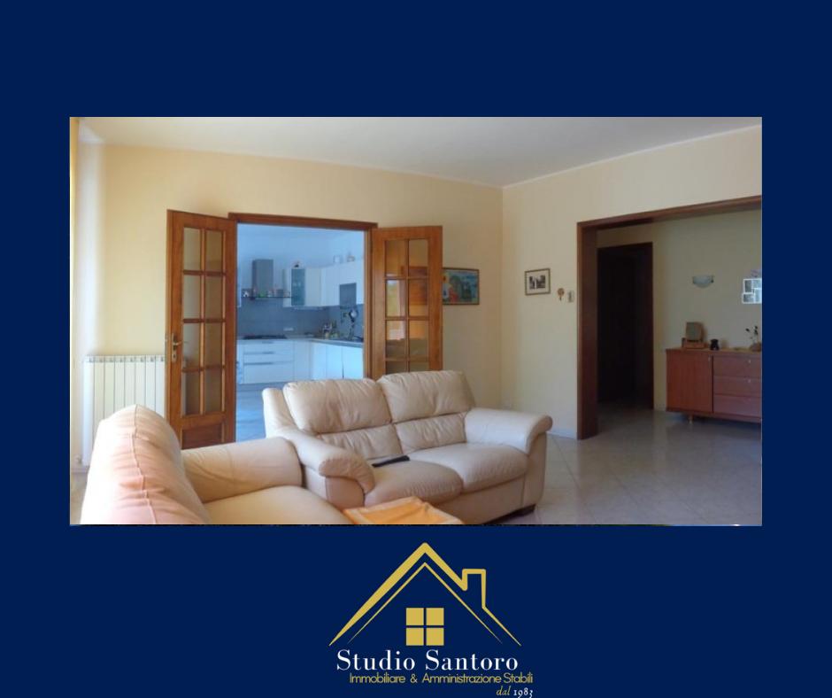 studio santoro immobiliare - consulenti - appartamento salone divano torino