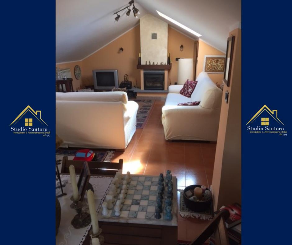 studio santoro immobiliare - immobili - agenzia immobiliare - torino- cantoria - vendita - salotto colore bianco
